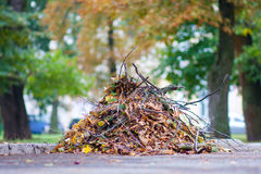 Pila grande de basura Foto de archivo libre de regalías