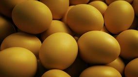 Pila grande de huevos almacen de metraje de vídeo