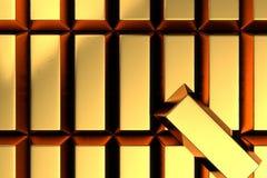 Pila molto di barre di oro con una barra di oro sulla cima nella vista superiore Fotografia Stock