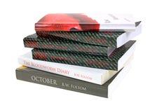 Pila storta di libri di coperchio molle immagini stock