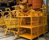 Pila tradizionale fatta a mano degli artigianato dell'oggetto del rattan rotan di bambù nel agung Jakarta Indonesia del lenteng Immagine Stock Libera da Diritti