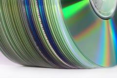 Pila verticale di CD dell'arcobaleno Fotografia Stock