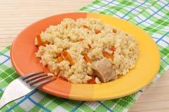 Pilaf mit Karotten lizenzfreie stockfotos