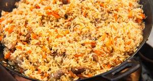 Pilaf (Plov) - αφγανικό, του Ουζμπεκιστάν, του Τατζικιστάν εθνικό κύριο πιάτο κουζίνας στοκ φωτογραφία