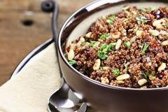 Pilaf sano de la quinoa imagen de archivo