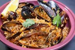 Pilaf z mussels z cytryną i pietruszką Zdjęcie Stock