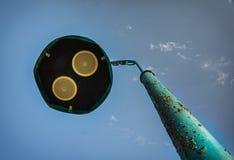 Pilar de la calle con los altavoces de audio fotografía de archivo libre de regalías