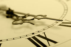 pilar figurerade gammala timmar Fotografering för Bildbyråer