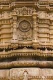 Pilar tallado del masjid del ki de Sahar La UNESCO protegió el parque arqueológico de Champaner - de Pavagadh, Gujarat, la India fotografía de archivo libre de regalías