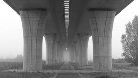 Pilares de la carretera imagen de archivo libre de regalías