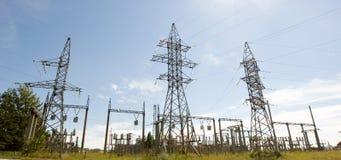 Pilares de la electricidad Fotos de archivo libres de regalías