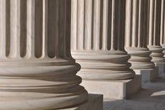 Pilares de la ley en los Estados Unidos Cour supremo Foto de archivo libre de regalías