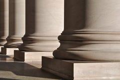 Pilares de la ley y de la educación Imagenes de archivo
