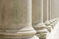 Pilares de la ley y de la orden fotos de archivo libres de regalías