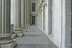 Pilares de la ley y de la orden en el Tribunal Supremo foto de archivo libre de regalías
