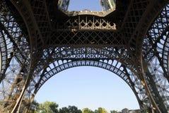 Pilares de la torre Eiffel imagen de archivo libre de regalías