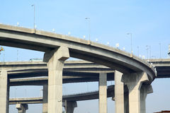 Pilares del viaducto imagen de archivo