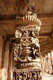 Pilares en el complejo de Qutub Minar, Delhi, la India imagen de archivo