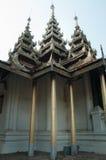 Pilares triples del templo tailandés Foto de archivo libre de regalías