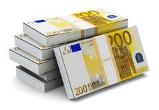 Pilas de 200 billetes de banco euro Imagen de archivo libre de regalías