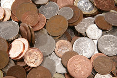 Pilas de dinero inglés Foto de archivo