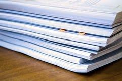 Pilas de documentos Imágenes de archivo libres de regalías