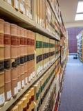 Pilas de la biblioteca jurídica Fotografía de archivo