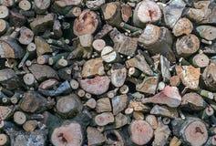 Pilas de la leña de pila de madera del fuego Foto de archivo libre de regalías