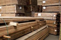 Pilas de madera dura fotografía de archivo