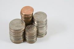Pilas de monedas americanas Fotos de archivo libres de regalías