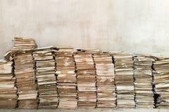 Pilas de papeles viejos Foto de archivo libre de regalías