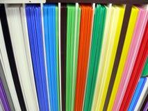 Pilas de tarjetas coloreadas fotografía de archivo