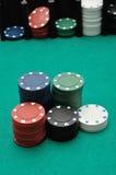 Pilas de virutas de póker Imagen de archivo libre de regalías