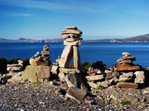 Pilas tradicionales de rocas en las baterías de la costa atlántica Foto de archivo libre de regalías