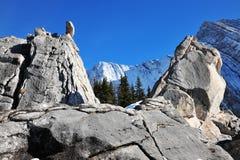 Pilas y montañas de la roca Foto de archivo libre de regalías