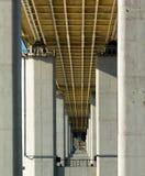 Pilastri e cornicione del ponte Immagine Stock Libera da Diritti