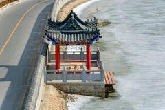 Pilastro al ponte dell'Nove-arco sulla grande parete della Cina nell'inverno Immagini Stock Libere da Diritti