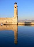 Pilastro del porto di Chania in Grecia Immagine Stock
