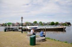 Pilastro della barca e case dello Zaanse Schans, Paesi Bassi Fotografia Stock Libera da Diritti