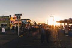 Pilastro della Santa Monica al tramonto fotografia stock libera da diritti