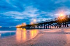 Pilastro della spiaggia della guarnizione alla notte Fotografia Stock Libera da Diritti