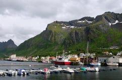Pilastro di Andenes, Gryllefjord, traghetto alle isole di Lofoten immagine stock