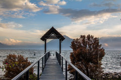 Pilastro di Atatlan del lago, Guatemala Fotografie Stock