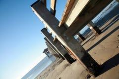 Pilastro di pesca della spiaggia Fotografie Stock