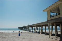 Pilastro di pesca - spiaggia NC di Wrightsville Immagine Stock Libera da Diritti
