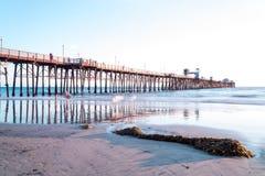 Pilastro di riva dell'oceano Immagini Stock Libere da Diritti