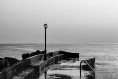 Pilastro nel mare Fotografia Stock Libera da Diritti