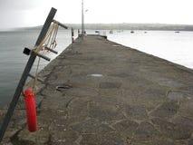 Pilastro sul fiume Shannon Town, Irlanda Immagine Stock