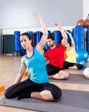 Pilates övning sjöjungfrun som sträcker obliques Fotografering för Bildbyråer