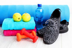 релаксация pilates пригодности принципиальной схемы шарика Стоковое Изображение